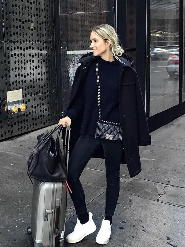 15 Comfortable (and Stylish) Outfits for Holiday Travel  Who What Wear