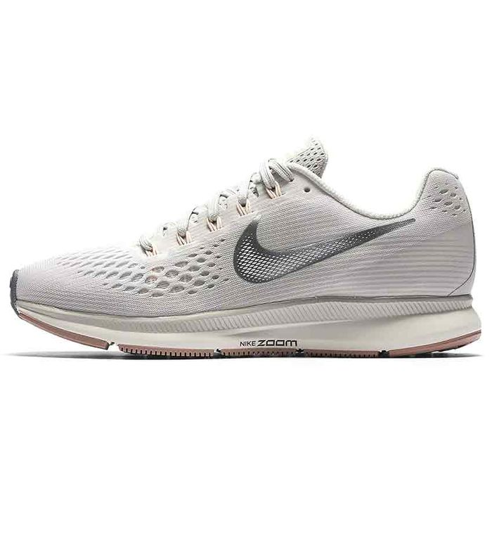 newest c44cc 6b078 Nike Sneakers With the Best Reviews on Amazon   Who What Wear