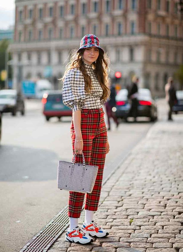 Stylish Outfits to Wear With White Socks