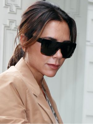 The New Way Victoria Beckham Wears a White Tee and Jeans