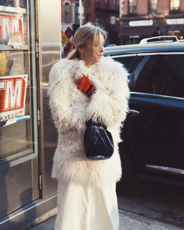 0eea59f749008 These New Year s Faux-Fur-Coat Outfits Will Keep You Warm