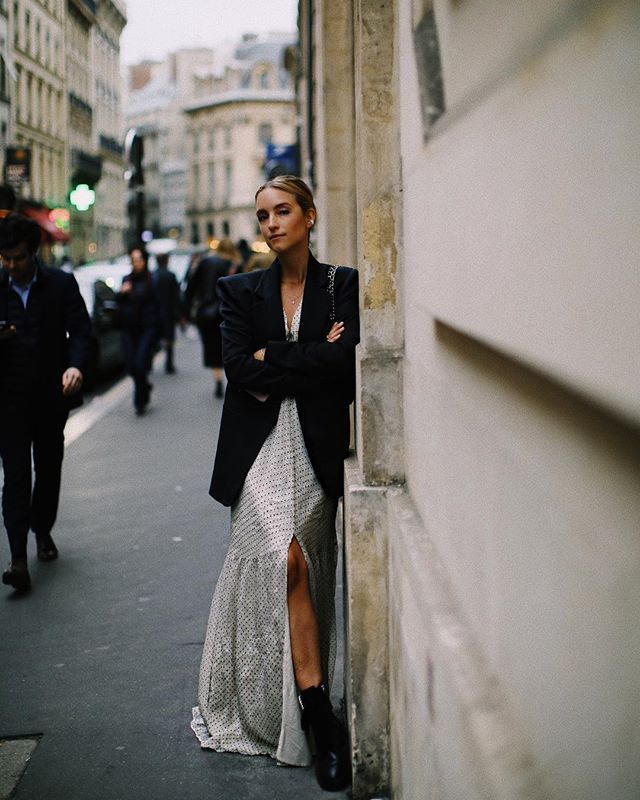 easy last-minute New Year's Eve outfits with a maxi dress and blazer