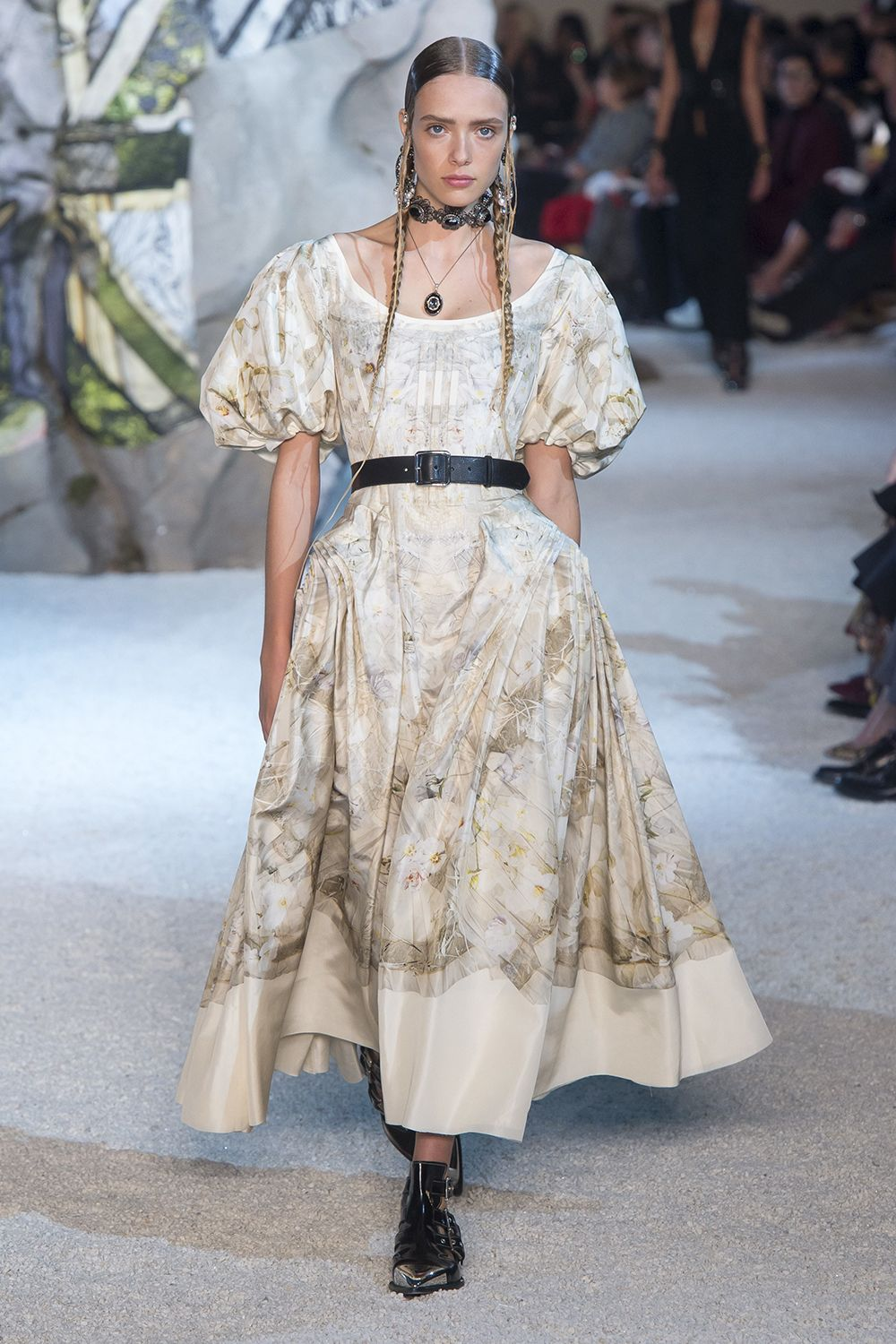 Spring/Summer 2019 Fashion Trends: Looks You Need to Know