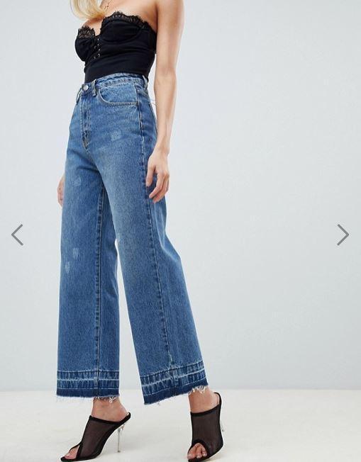 PrettyLittleThing Wide Leg Raw Hem Jeans