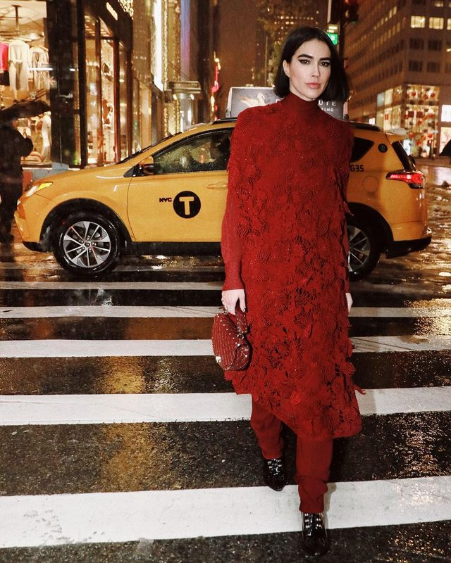Best red holiday outfits