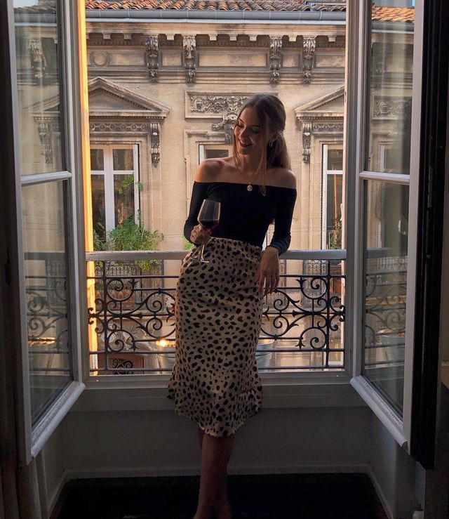 Best holiday outfits with skirts