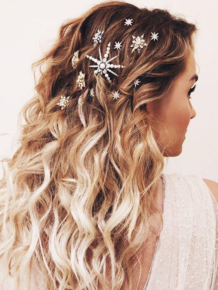 13 Christmas Hairstyles You Ll Absolutely Love Byrdie