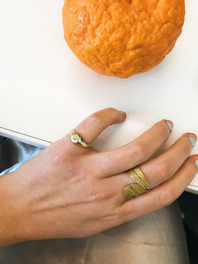 classic signet ring