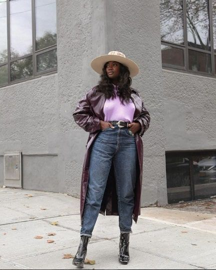 b1b7a17e1cd 11 Cool Mom-Jean Outfits to Try This Winter