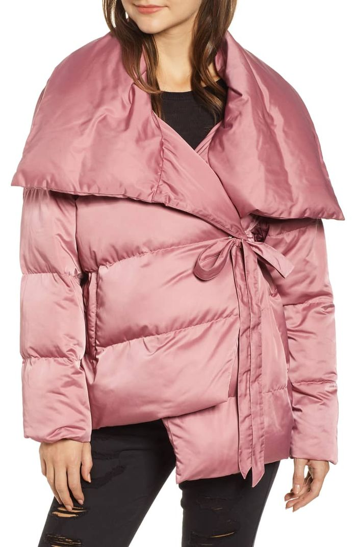 a54df7656 11 Puffer Jacket Outfits to Copy This Winter