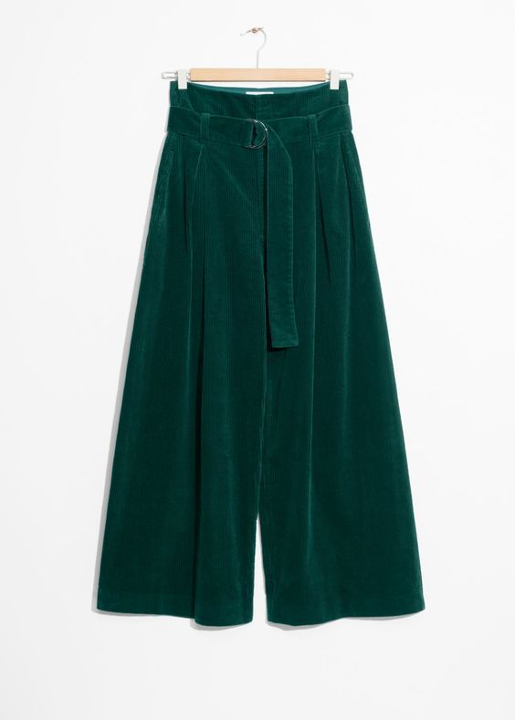 Colors that Go with Gray  and Green Pants