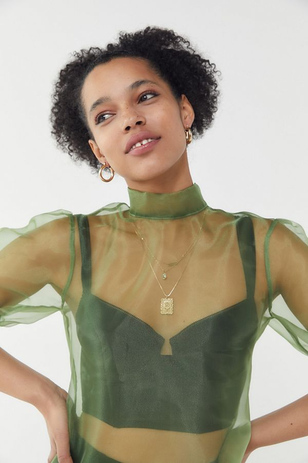 Colors that Go with Gray and Green Organza Tops