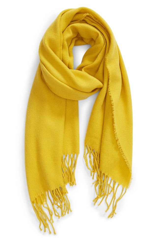 Colors that Go with Gray  and Yellow Scarves