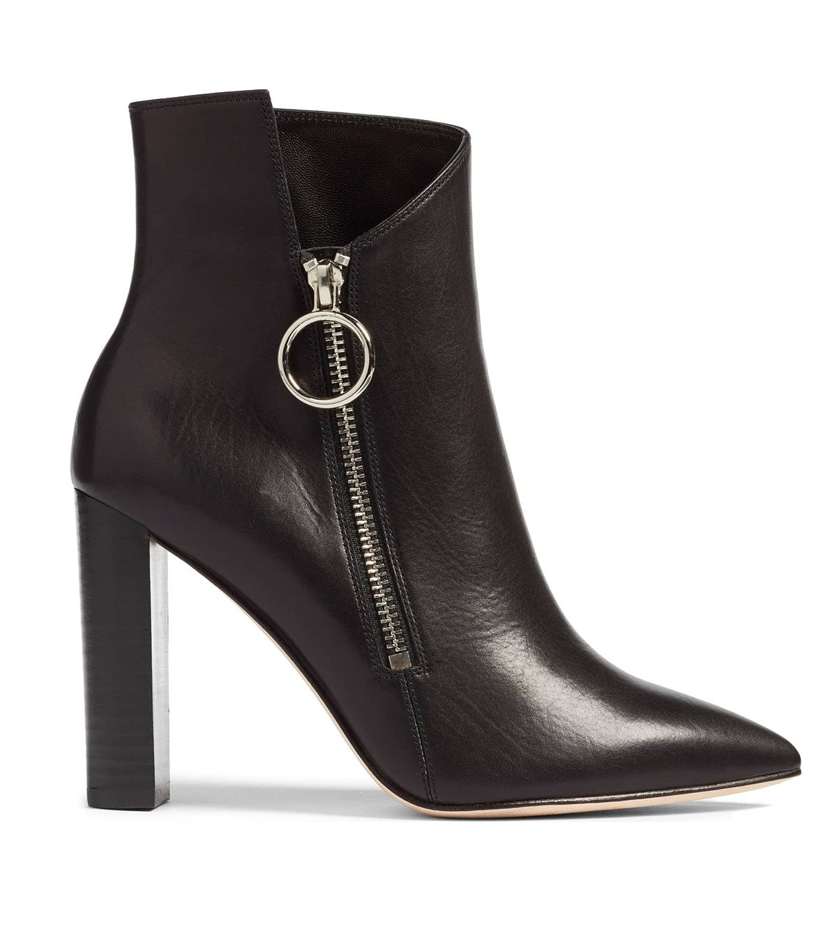 7c8a1ffa0c3b6 Kaia Gerber Wore the Most Comfortable Trendy Ankle Boots on All of ...