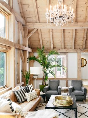 Looking at This South Hampton Home Is Almost as Good as Taking a Vacation