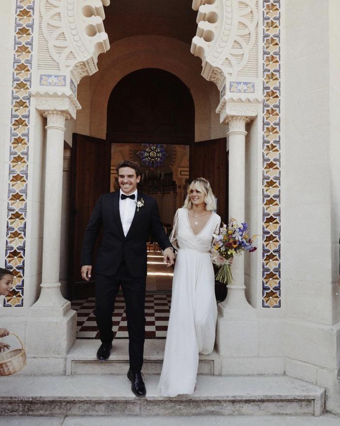 19 Wedding Dresses for the Minimalist Bride
