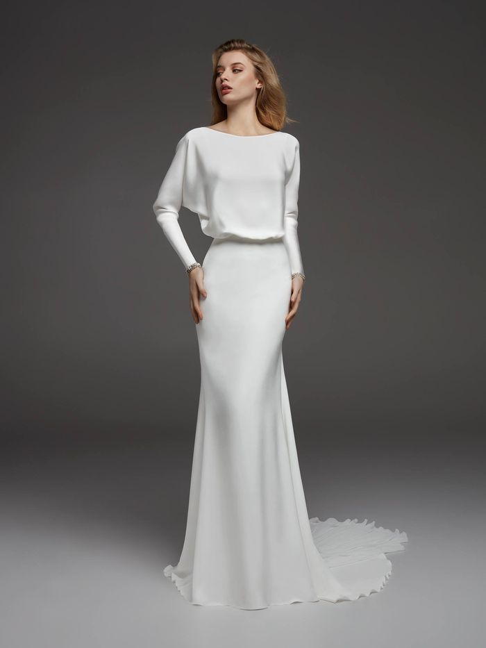 19 Minimalist Wedding Dresses For The Unfussy Bride Who