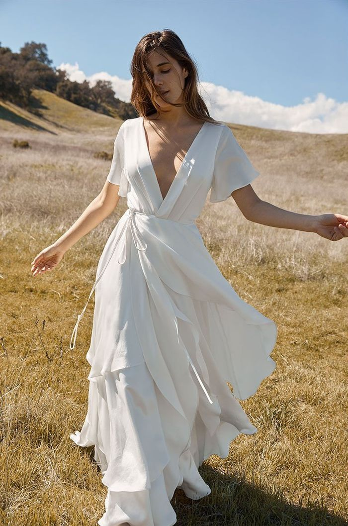a4e10f518b5 19 Minimalist Wedding Dresses for the Unfussy Bride