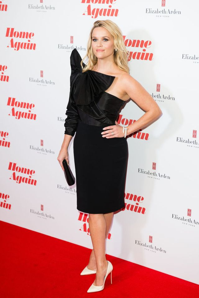 <p><strong>WHO</strong>: Reese Witherspoon</p> <p><strong>WEAR</strong>: CartierJuste Un Clou bracelet</p>