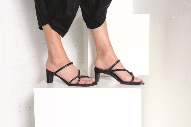 Intentionally Blank The Willow Sandal