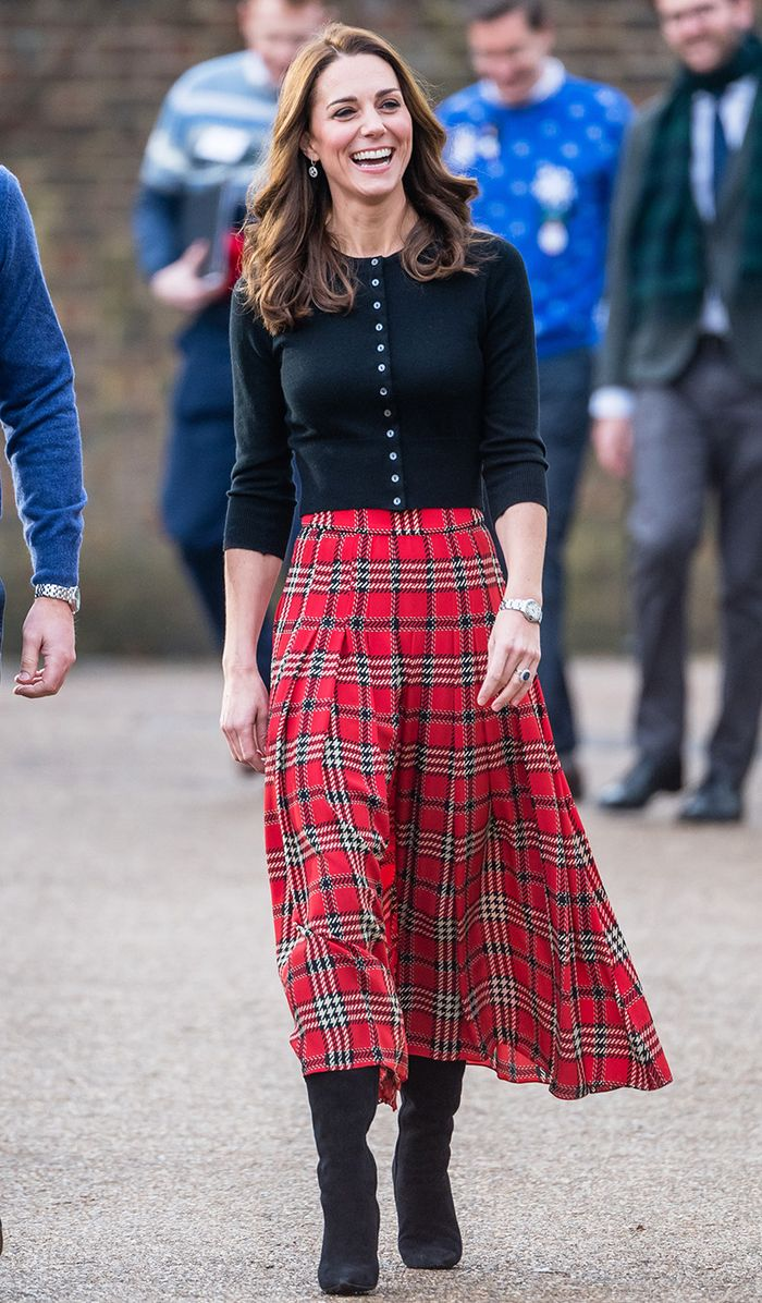 Kate Middleton Wore Winter S Biggest Sweater Trend Who