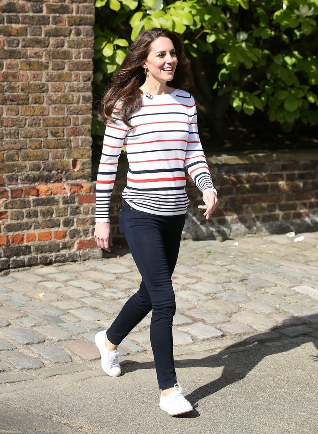 Kate Middleton Long Sleeve T-Shirt