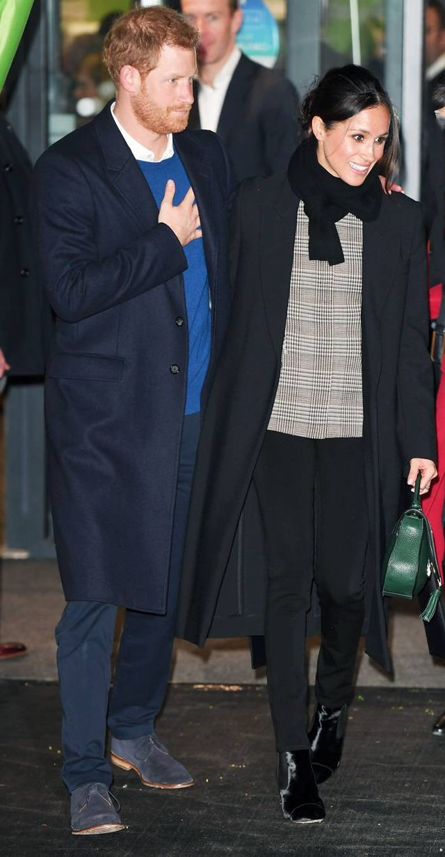Meghan Markle Black Scarf and Skinnies