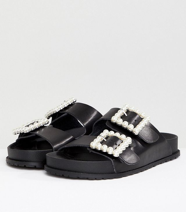 Chanel Velcro Sandals  the Rogue Shoe Everyone Is Wearing  ff3e9365db