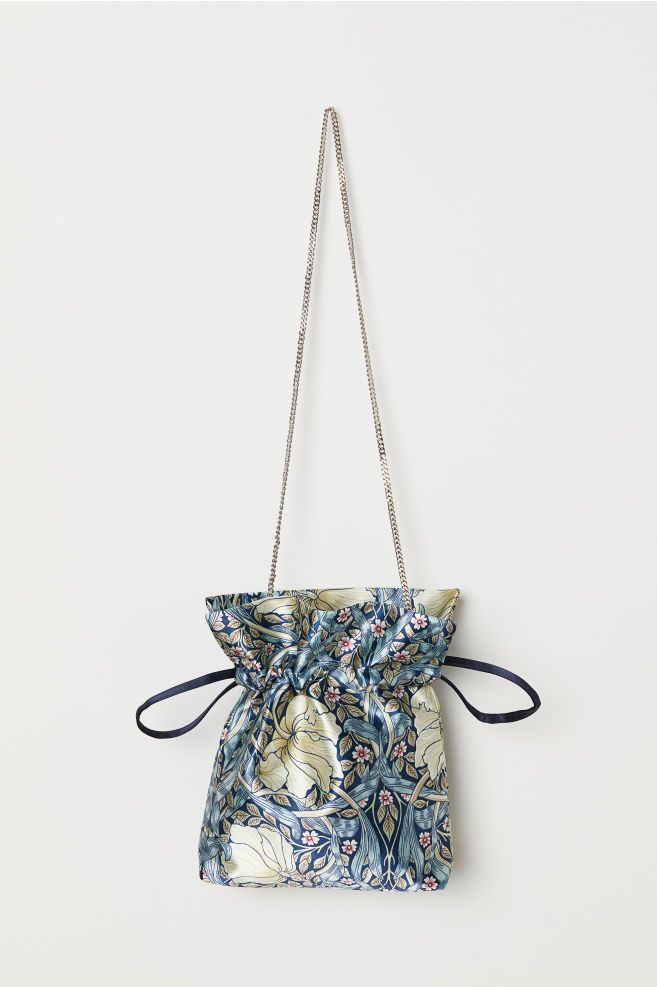 b5fa2b5dec The 8 Best Affordable Handbags for Spring