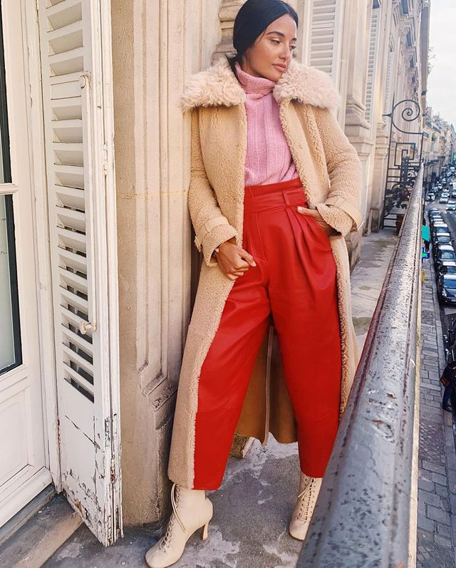 Fashionable Outfit Idea: Pink Sweater and Red Pants