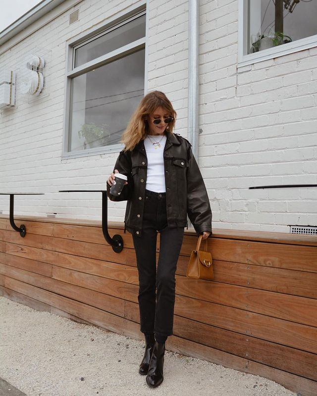 Skinny Jean–and–Black Ankle Boot Outfit With Leather Jacket