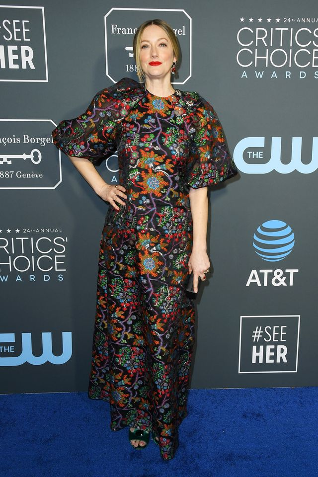 <p><strong>WHO:</strong>Judy Greer</p> <p><strong>WEAR:</strong> Reem Acra dress; Irene Neuwirthjewelry</p>