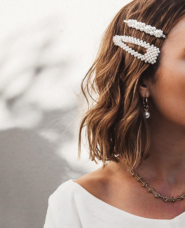Pearl Hair Clips Are a Fashion Must-Have for Spring