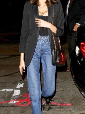 Celebs Are Wearing This High-Waisted Denim Outfit Again