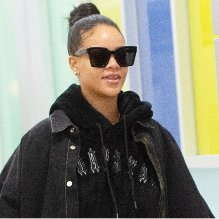 2f83d1d0772 Rihanna Styled Ugg Boots to Perfection at the Airport | Who What Wear