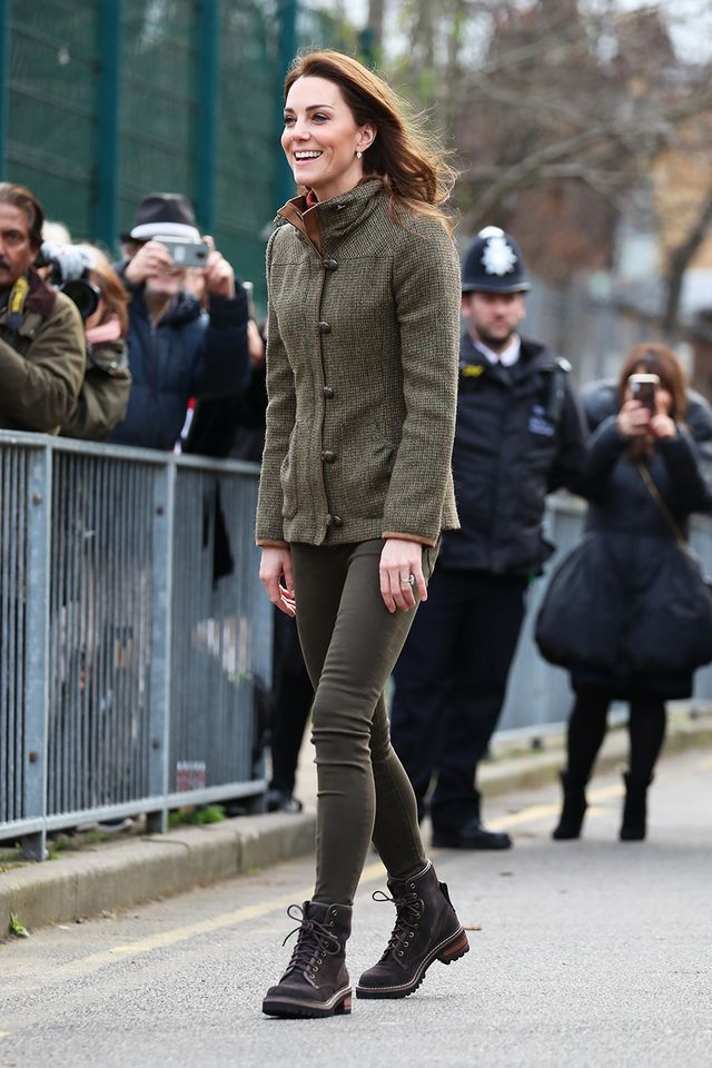 Kate Middleton jeggings and hiking boots