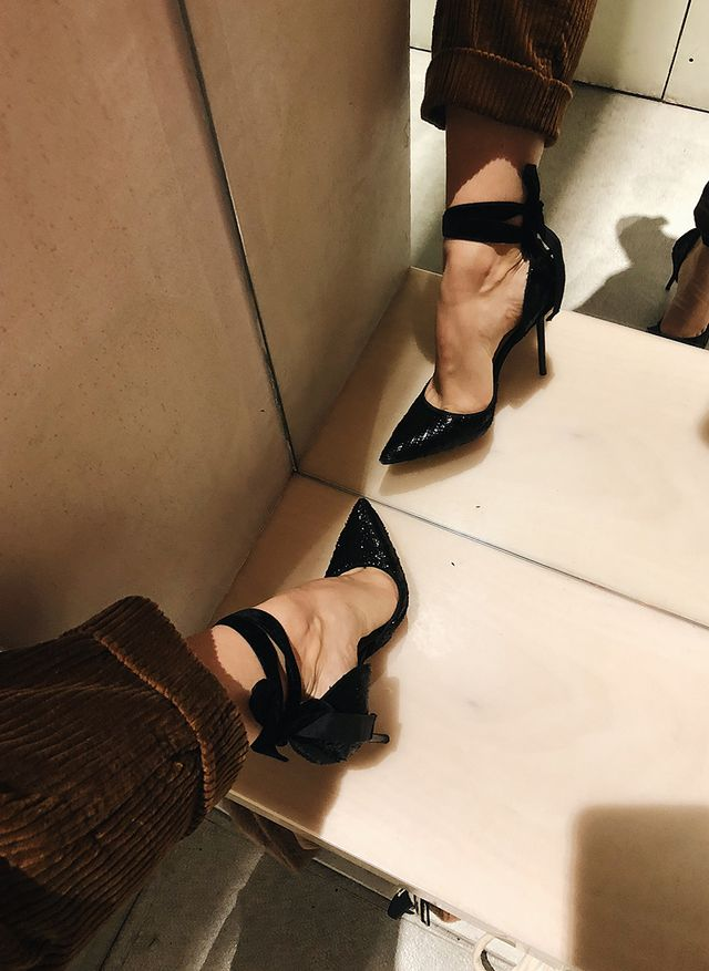 best shoe styles at Zara: velvet pumps