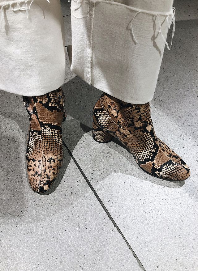 best shoe styles at Zara: snakeskin boots