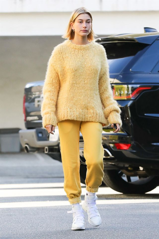 Hailey Baldwin yellow outfit