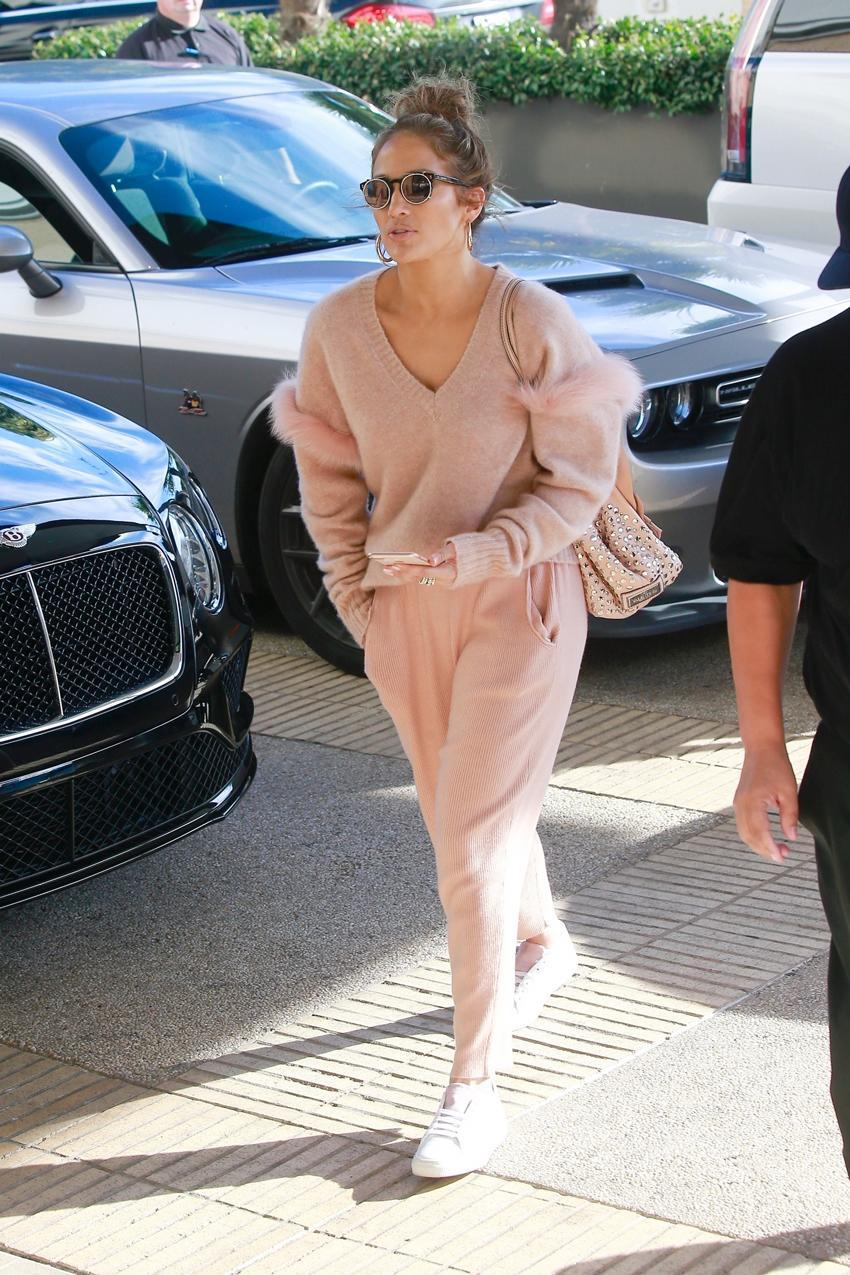 5 Things Celebrities Always Wear in Beverly Hills