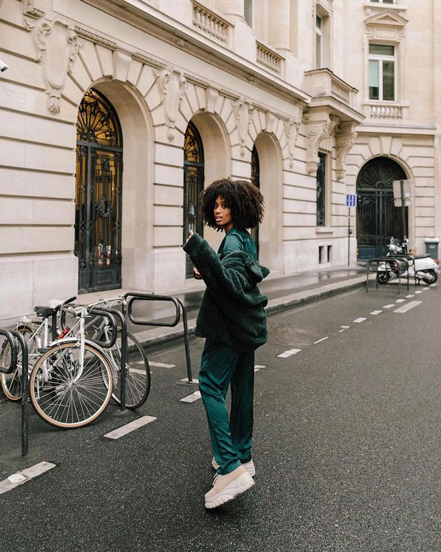 Effortless Outfits To Wear In 2019: Tracksuit