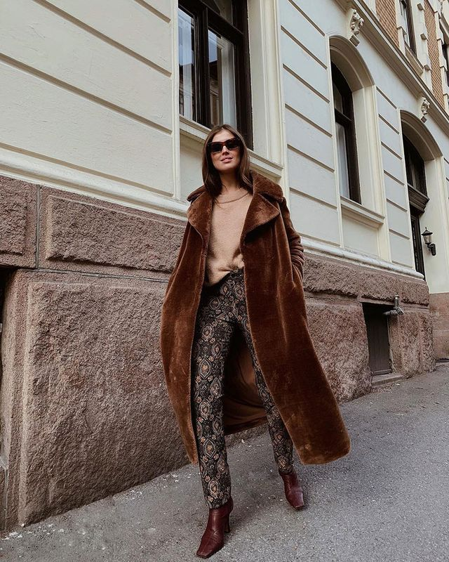Effortless Outfits To Wear In 2019: Furry Coat