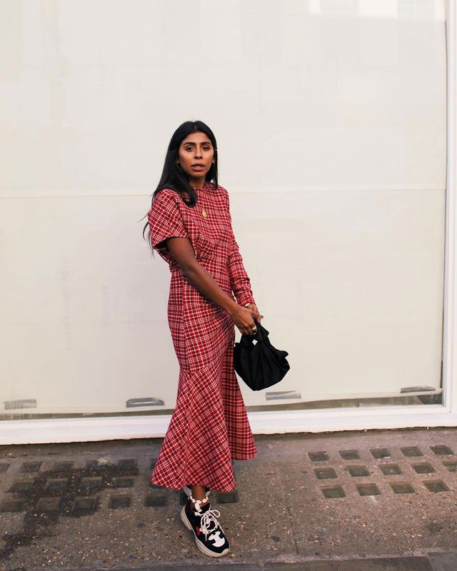 Effortless Outfits To Wear In 2019: Pink Dress and Sneakers