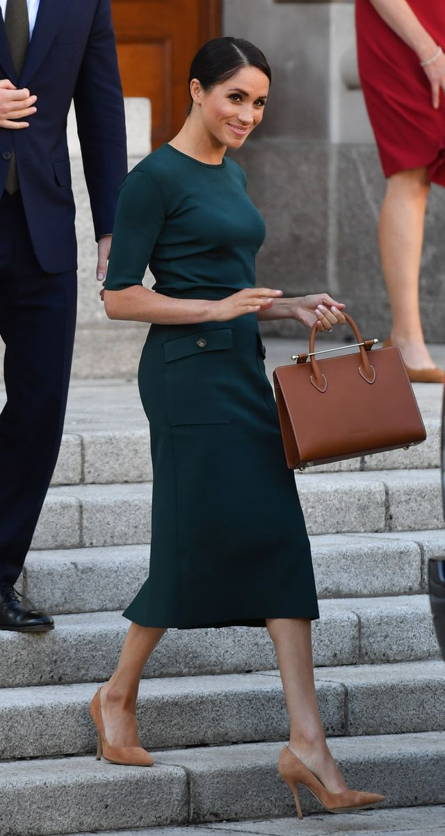 Meghan Markle Wears a Classic Top-Handle Handbag
