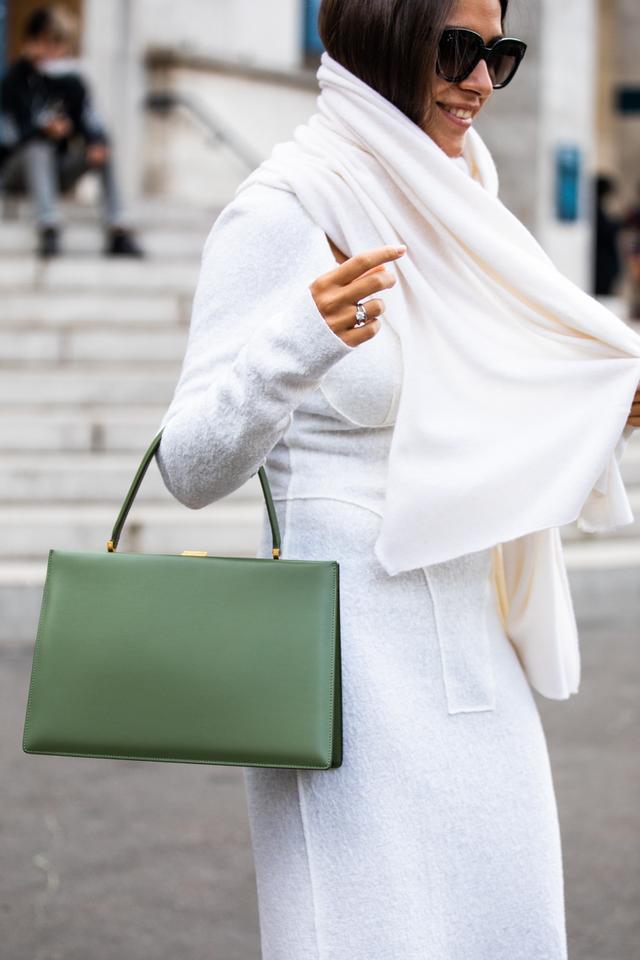 Top-Handle Handbags Are a Fashion Girl Favorite