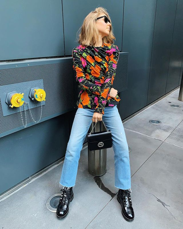 Light-Jean Outfits: Printed Top