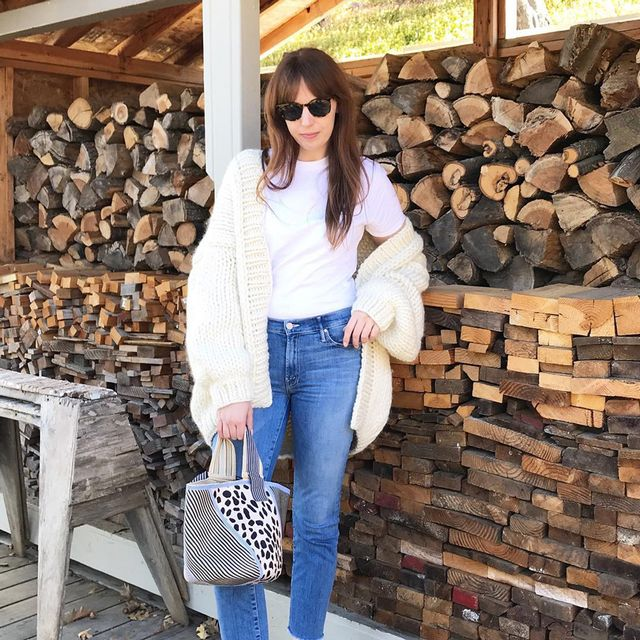Outfits with jeans and tee