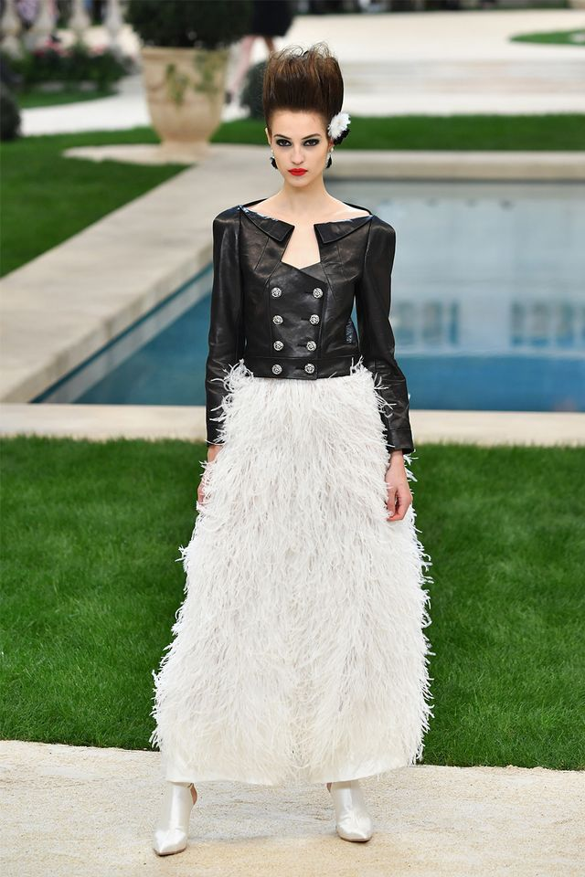 Chanel spring 19 couture runway