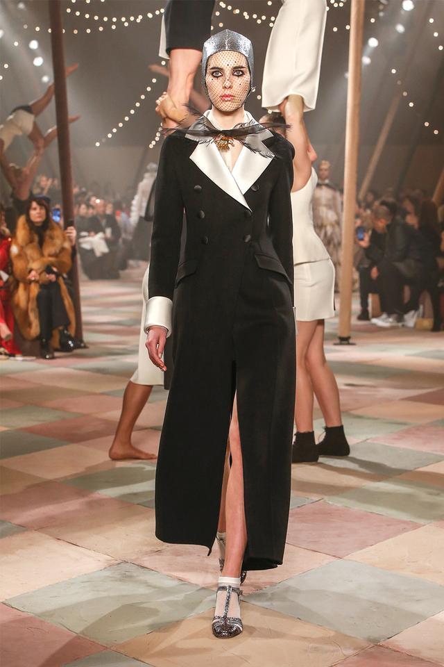 Dior S/S couture 2019 tuxedo