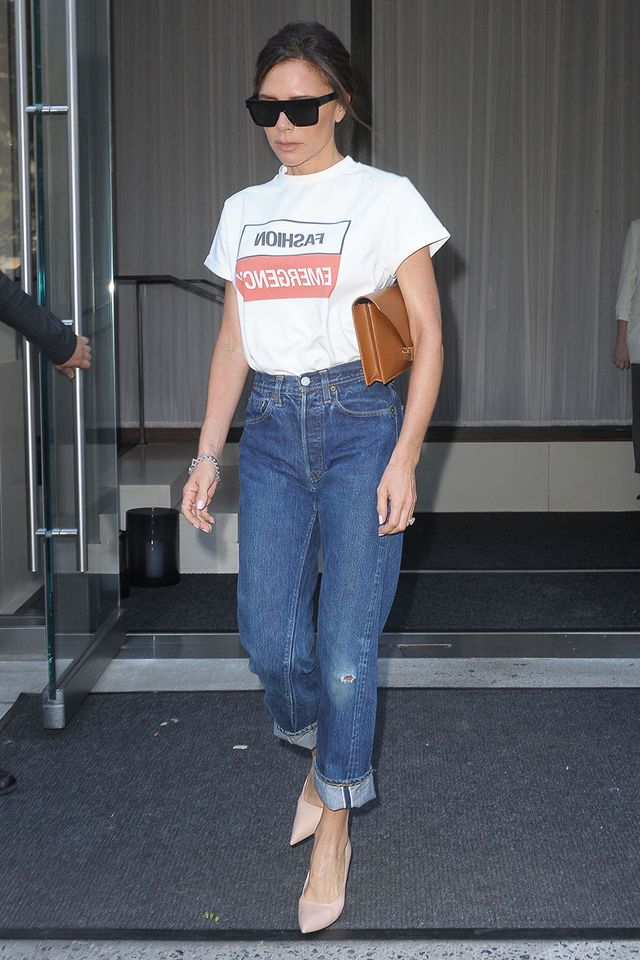 Victoria Beckham Jean Outfits: Graphic T-Shirt and Nude Pumps